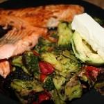 Lax med stekta grönsaker (Keto)